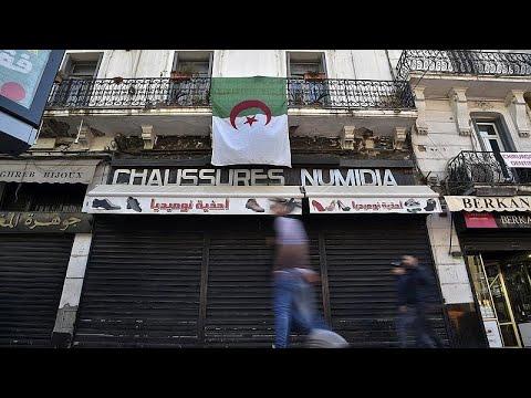 دعوات إلى إضراب عام في الجزائر بدءاً من الثامن ديسمبر  - 10:59-2019 / 12 / 5