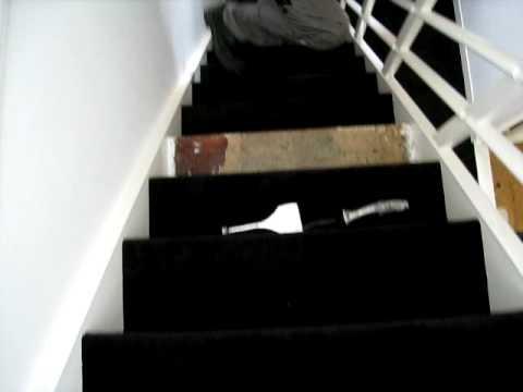 Tapijt leggen op trap door sneltapijt.nl youtube