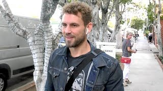 Former Bachelor Nick Viall Gets Checked Out By A Cute Blonde - EXCLUSIVE
