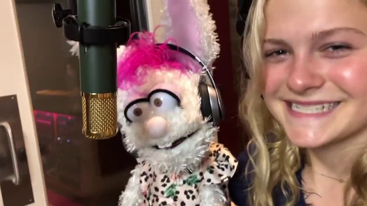 The Spin with Darci Lynne #3 - Girl On Fire