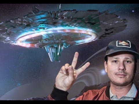 Blink-182 Singer $37 Million in Debt Because Aliens Don't Exist Mp3