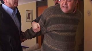 Técnico descubre las cámaras y se desespera | En su propia trampa | Temporada 2012
