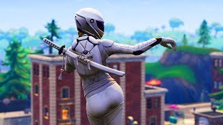 *THICC* NEW WHITEOUT SKIN PERFORMING HOT DANCES/EMOTES! FORTNITE