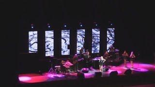 Julio Iglesias demuestra en Moscú que aún brilla en el escenario