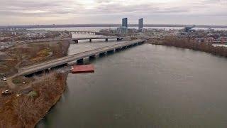 [DRONE] Le déversement des eaux usées dans le fleuve vu en drone