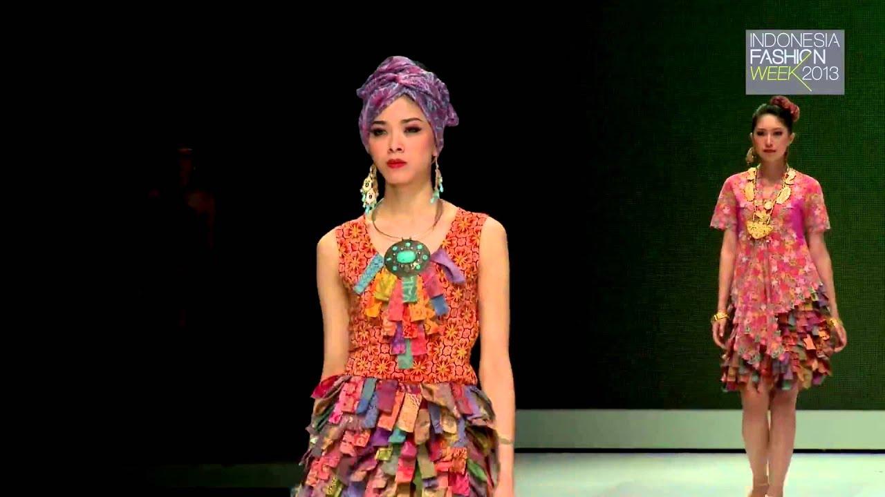 Indonesia Fashion Week 2013 Fashion Parade Stylopedia Priscillia Saputro Batik Nyonya Indo