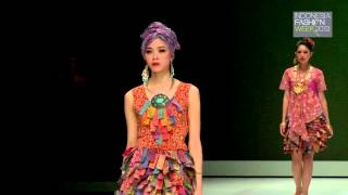 Indonesia Fashion Week 2013 - Fashion Parade Stylopedia (Priscillia Saputro - Batik Nyonya Indo)