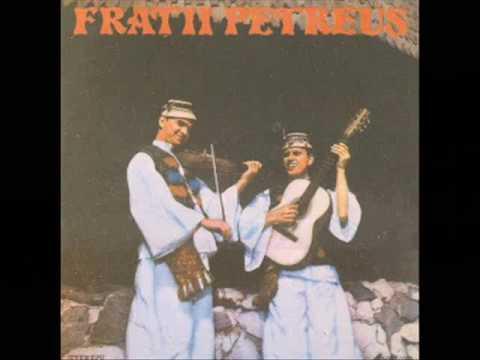 Fratii Petreus - Pe ulita mandrii-n sus