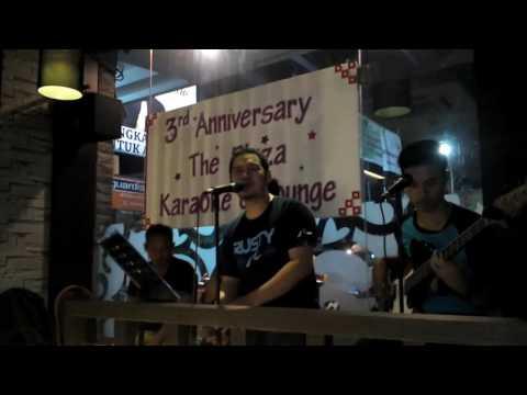begitu indah akustik live lombok plaza