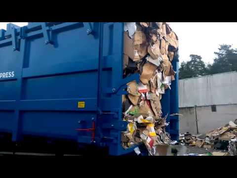 CombiMega FR Waste Compactor - Emptying