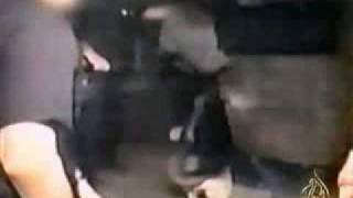 كلاب بوليسية تفترس المجرمين