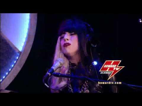 Lady Gaga The Edge Of Glory Acustic  Howard Stern