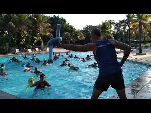 Hidroginástica Magic Gardens com prof Ângelo Castanheiro