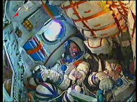 Смотреть Старт КК Союз ТМА-18 (трансляция). Spacecraft Soyuz TMA-18 Start. онлайн