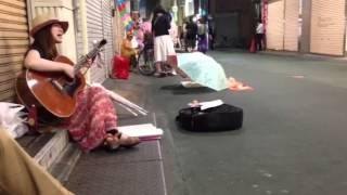 高円寺路上2013.6.22 iPhone5で撮影.