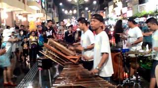 Manuk Dadali (lagu Daerah Sunda) Angklung Malioboro Yogyakarta (musisi kreatif) wajib tonton keren