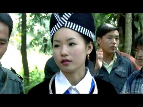 Nkauj Hmoob Zoo Nkauj 2015 - Yias Vaj Hmong Laos New Year 2015-16