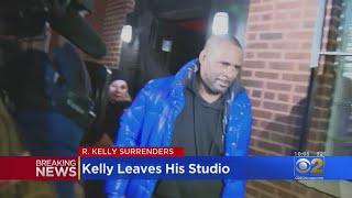 R. Kelly Leaves His Studio