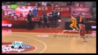 Τούμπα διαιτητή στο Ολυμπιακός-Κίμκι
