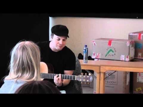 Gavin DeGraw - ''Soldier'' (Live)