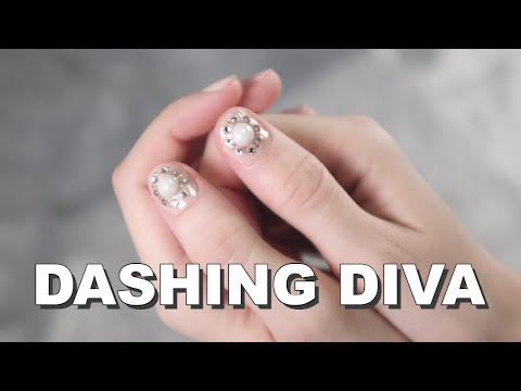 Dashing Diva Gloss Gel Nail Strip | Nail Sticker Review