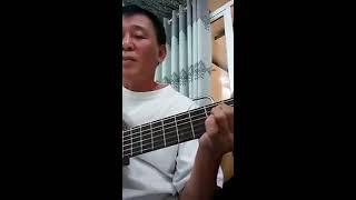 Hòa tấu Guitar Bolero ''Đời tôi cô đơn'' giữa học viên Xuân Dũng và sư phụ Mạnh Phương (giấu mặt)