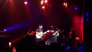 José James feat Hindi Zahra LIVE @Alhambra - Waiting In vain (Bob Marley Cover)