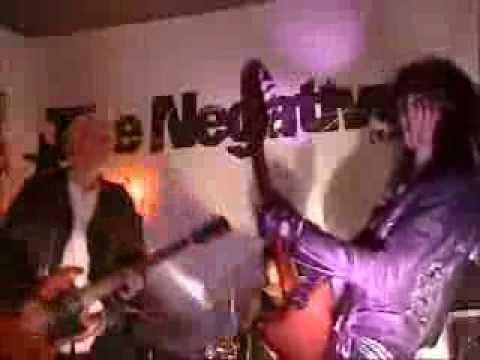The Negatives - It Still Spins (video)