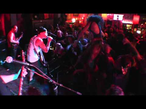 HARLEY FLANAGAN - ALEX'S BAR - LONG BEACH CA - 6/11/2017 -
