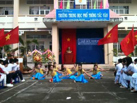 Múa Đất nước lời ru 11C1 Trường THPT Tắc vân 2011