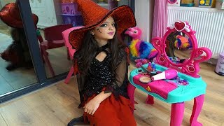 Masal Kostüm Partisi için Cadı Makyajı Yaptı!  Masal pretend play witch costume & kids make up toys