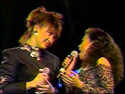 Nora Aunor & Sharon Cuneta duet medley