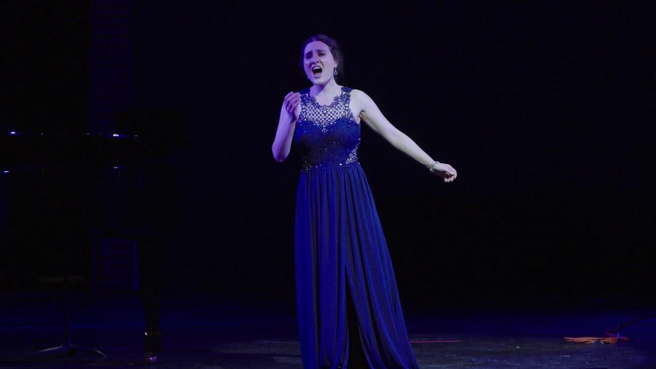 """Elizabeth Patterson singing """"Addio del Passato"""" from La Traviata (G. Verdi)"""