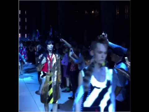 Model Stella Maxwell falls twice during Miu Miu Resort 2016 fashion show. HQ + 2nd angle