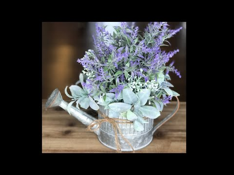 DIY Farmhouse Flower Arrangement - How to Make a Table Arrangement