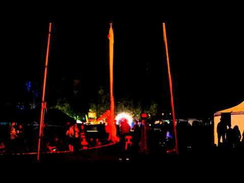 Eleanor Leal Circus Sling Bellingen Global Carniva...