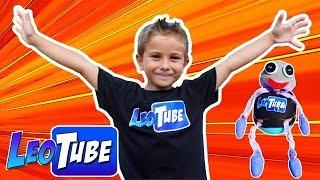La mascota de LeoTube Crea tu juguete