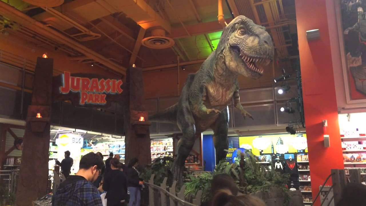 Dinosaurs Toys R Us : Animatronic dinosaur in toys r us times square roaring
