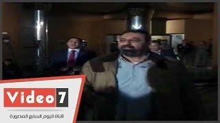 شاهد ماذا فعل مجدى عبد الغنى مع مرتضى منصور قبل اجتماع الأندية