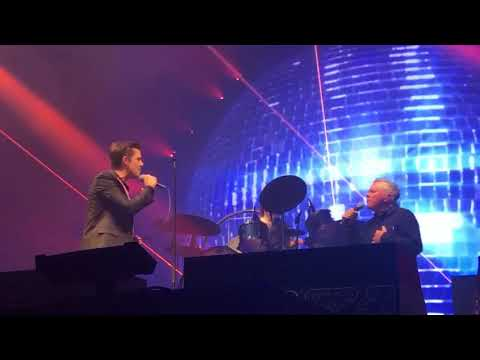 The Killers & Bernard Sumner  Bizarre Love Triangle London 28 Nov 2017