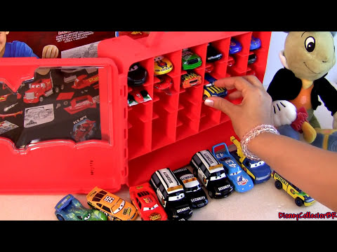 PIXAR CARS 2 Storage Carry Case Display Over 30 Diecast Cars 1:55 Scale  Disney Mattel