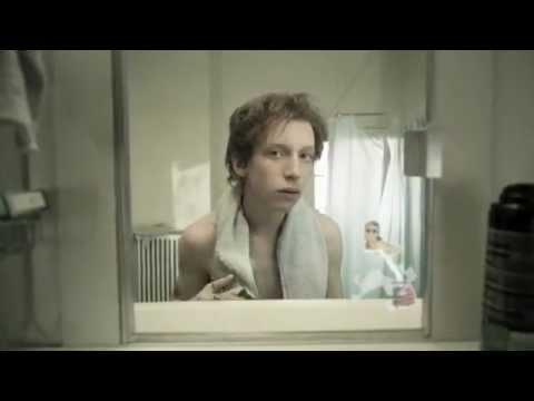 Любительские селфи перед зеркалом на телефон обнаженной