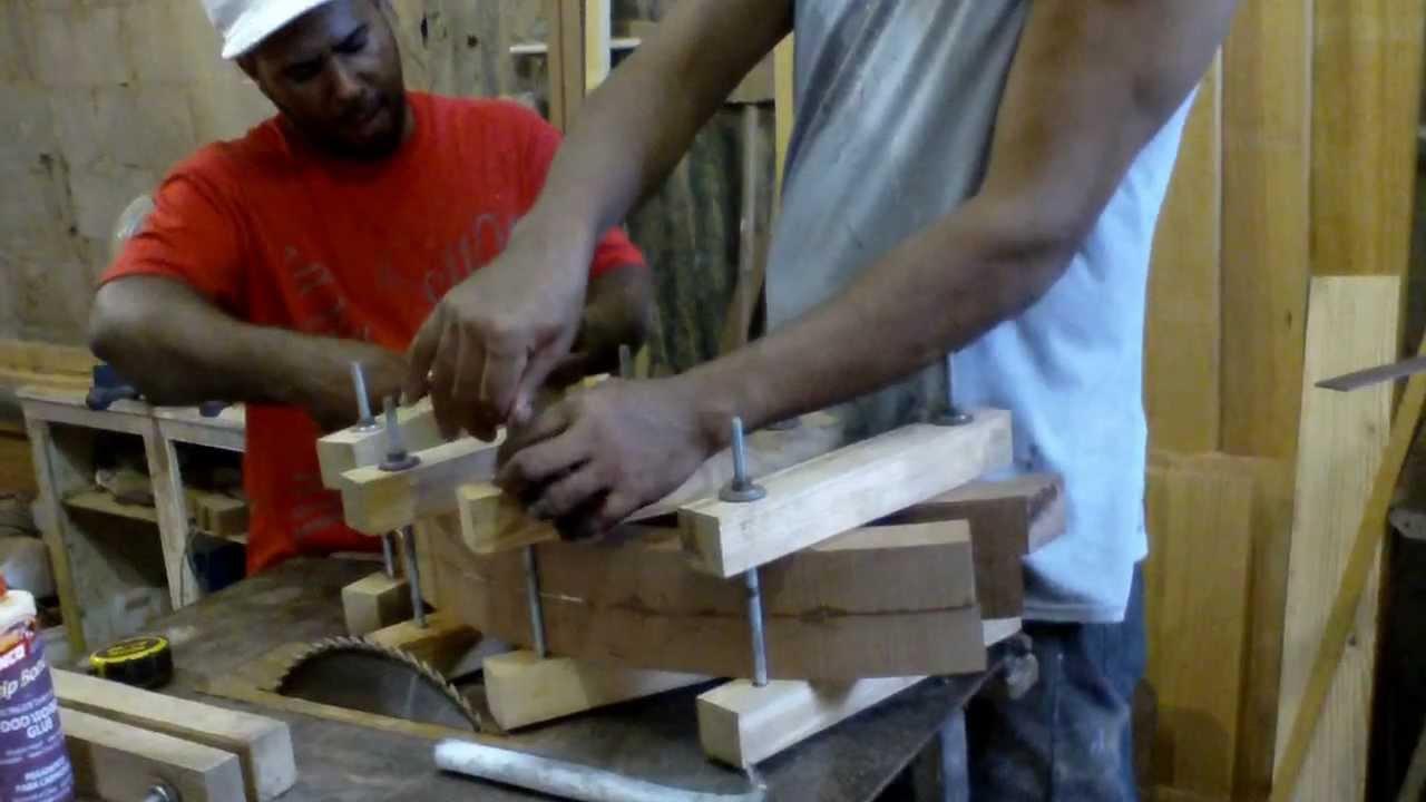 Prensa de madera improvisada para sujetar 1 mov youtube - Sargentas para madera ...