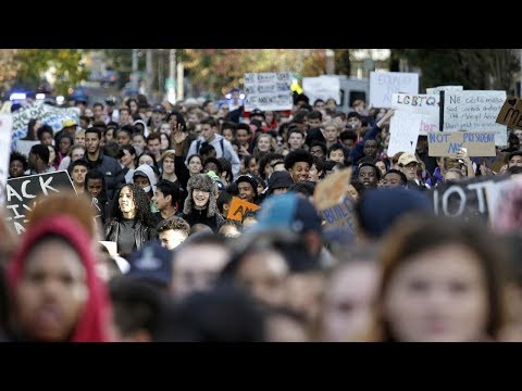 Thousands of students walk out of schools to protest gun violence HD