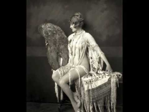 Ruth Etting - Dancing in the moonlight (1933)