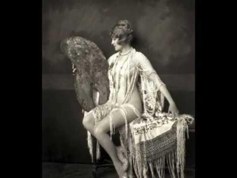 Ruth Etting - Dancing in the moonlight (1933)