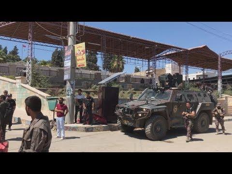 はためくトルコ国旗 軍制圧のシリア・アフリン