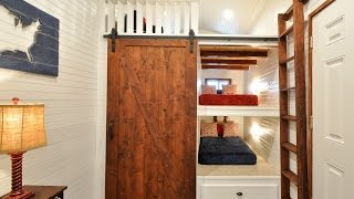 32' Tiny House Has Built-in Bunk Beds For The Kiddos