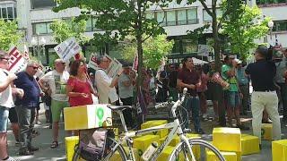 Medio centenar de 'riders' reclama su laboralidad