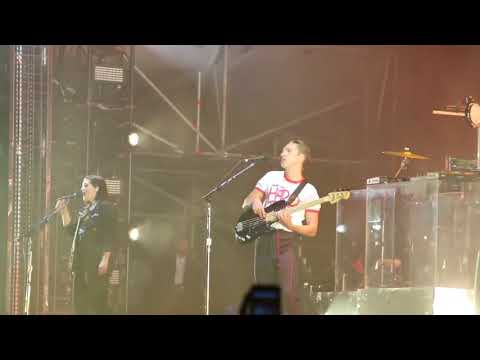 Intro - The XX en Live Out